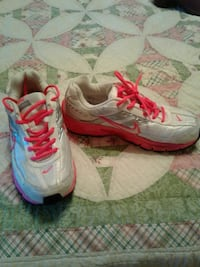 pair of white-and-pink Nike running shoes El Paso, 79930
