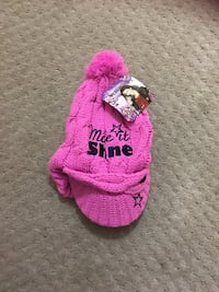 pink cable knit cap Mississauga, L5A