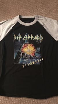 Def Leppard 2017 concert t shirt Old Saybrook, 06475
