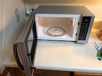 Haier 900 watt microwave-less than 1 year old