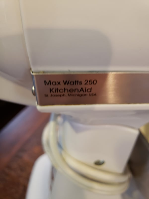 VERY CLEAN Kitchenaid 250 classic all accessories  bad83ba0-5575-42b9-951a-e5fca3e7734d