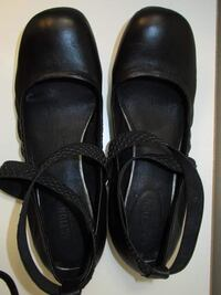 Kenneth Cole shoes size 8 Toronto, M3H 2M5