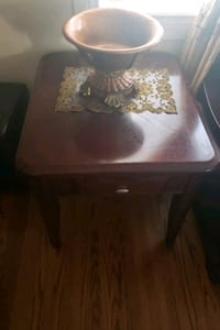 Coffee table with 2 end tables Toronto, M1P 3Y4