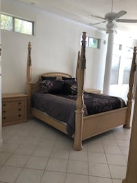 King size Bed and 2 night stands