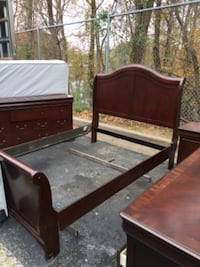 Queen sz bedroom set with mattress and box spring  Gaithersburg