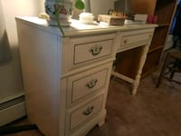 Small dresser East Northport, 11731
