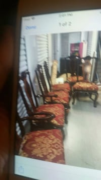 Dinning room set with 6 chairs and  hutch! Chester