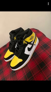 Air Jordan one yellow