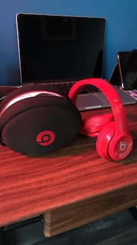 Red beats by dr. dre headphones with black case(wired)