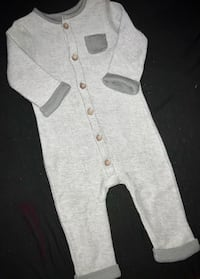 Unisex Baby Carters 6M Unique Comfy Bohemian like outfit.  Super Cute & Brand New!!!!! Magnolia, 08049