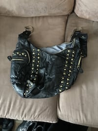 Black and gold purse Regina, S4T 3Y3