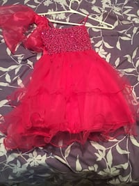 Kids dress size 6 wore once Pickering, L1V 1B8