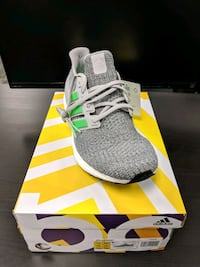 Size 11 Adidas Ultra Boost 4.0 Grey Two/Shock Lime Markham, L3R 3C2