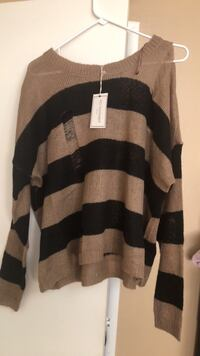 Stripped torn sweater size xl runs small loose fit new with tag  Oxnard, 93033