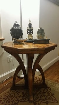 Vintage octagon table (  29 x 28 )