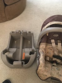 Baby's gray and black car seat carrier Henderson, 89012