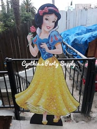snow white and 7 dwrafs Los Angeles, 90063
