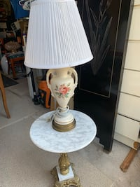 Marble round table and lamp Palm Coast, 32137