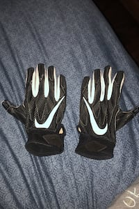 Nike padded football gloves great buy