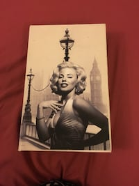 Marilyn Monroe poster with black frame Waterloo, N2L 1W4