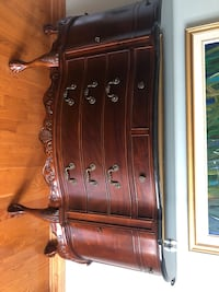 Cherry wood finish dining room cabinet Montréal, H4R 1Y5