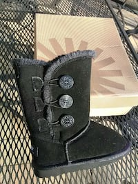 children black sheepskin boots Bel Air, 21014
