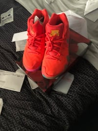 Kyrie lucky charms size 11