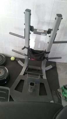 Bow flex wit stand,2 matts and accessories