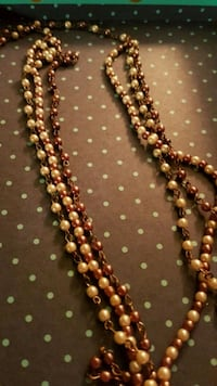 Green and brown pearl extra long lawyer necklace  Guelph, N1H 1E6