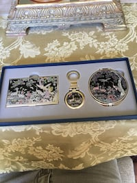 Ladies' Grouping: Cardholder, Keychain, and Compact Halethorpe, 21227