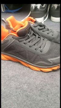 Size 9 men's shoes *OBO Catonsville, 21228