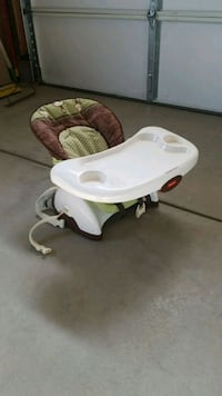 baby's white and green high chair Commerce City, 80022