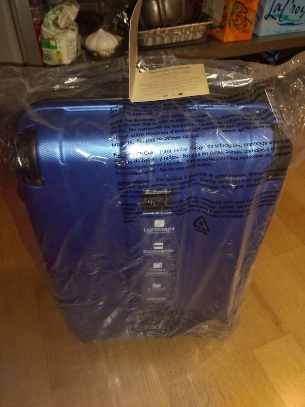 Brand New Kenneth Cole Luggage  2