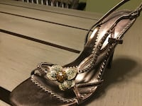 Size 6.5 heeled sandals worn only once Des Plaines, 60016
