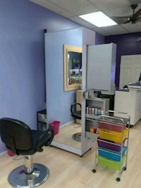 Booths for rent in a hair braiding salon Chicago