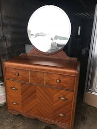 Antique Dresser with Mirror Frederick, 21701