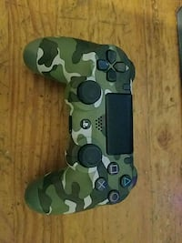 PS4 console controller Queens, 11102