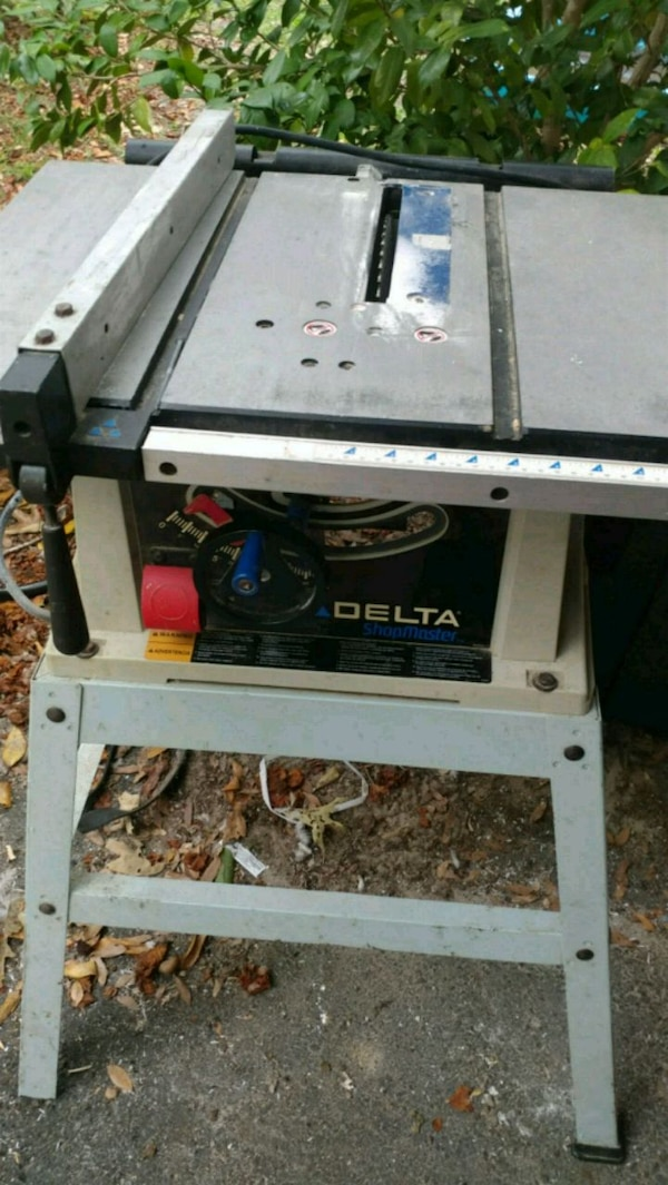 Delta Shopmaster tabletop saw