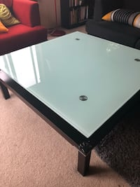 rectangular white wooden coffee table Issaquah, 98027