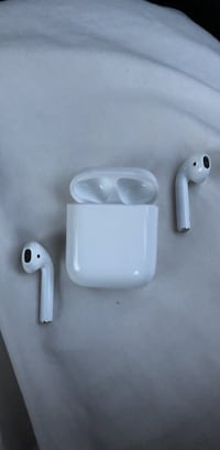 White apple AirPods and box Thousand Oaks, 91320