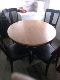 Round table Palmer, 99645