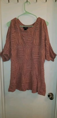 Ladies sweater size large  Stone Mountain, 30088