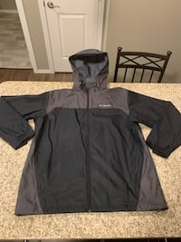 Men's Columbia windbreaker jacket size large new without tags
