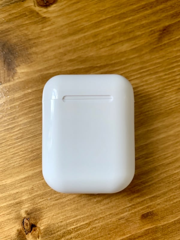 Used Airpods 1st Gen With Charging Case For Sale In Denver Letgo