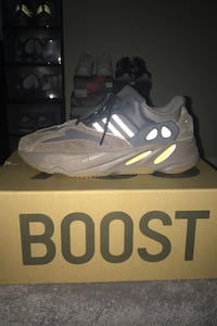 Yeezy 700 Mauve Maple Ridge, V2W 0H1