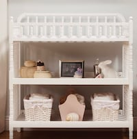 baby's white wooden changing table Miami, 33155