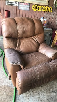 Brown leather recliner sofa chair Lazy boy no terse  Corpus Christi, 78410