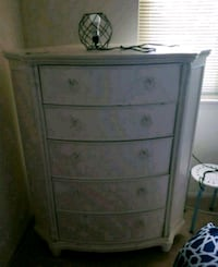 CORNER WHITE CHEST OF DRAWERS  Bel Air, 21014