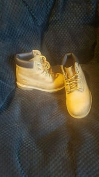 Timberlands size 8 in toddlers Saint Charles, 63303