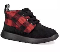 UGG Kids, Youth, Suede, Chukka Boots, size 10, Brand New, Unisex  Milford, 06460